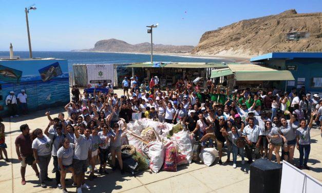 Estudiantes de UPAO Piura realizan campaña de limpieza en El Ñuro