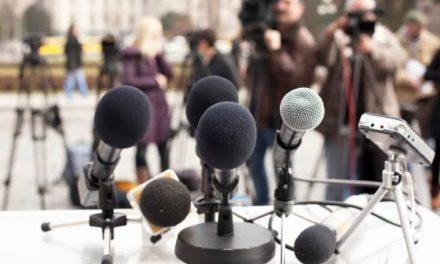 Destacados periodistas comparten sus experiencias en conversatorio